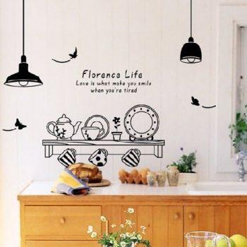 Edények lámpákkal, felirattal, pillangókkal