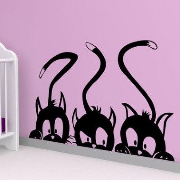 Kukkoló cicák, cicás falmatrica a Dekormatricák webáruházban