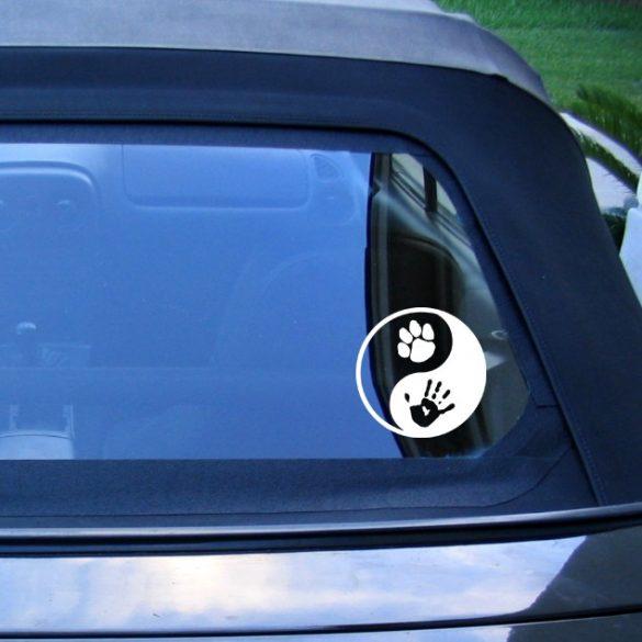 Ember és kutya autómatrica a Dekormatricák webáruház matricái közül